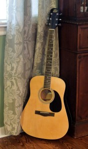 05 - Mike's guitar