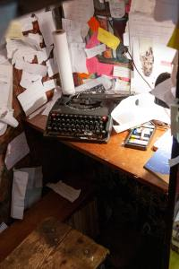 The Author Chronicles, Top Picks Thursday, J. Thomas Ross, messy office with typewriter